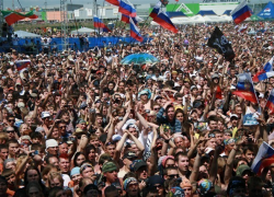 Однодневный рок фестиваль «Рок над Волгой 2012» . Уж пофестивалили так пофестивалили.