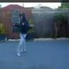 Парни танцуют Шафл
